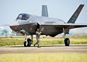 300pxfirst_f35_to_arrive_at_eglin_a